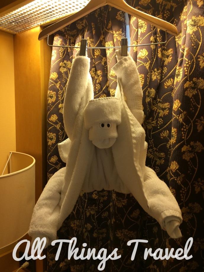HAL Oosterdam towel art